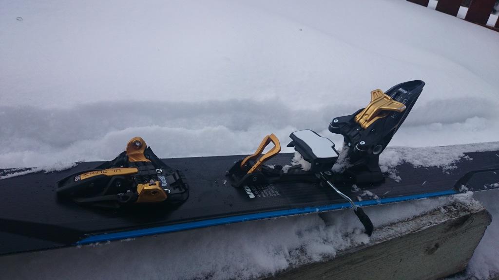 Walk/Ski mode lever halfway deployed.