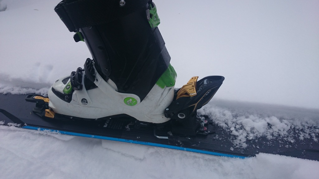 The heel piece in Ski mode. Locked and loaded!
