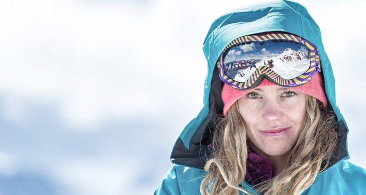 Lynsey Dyer skiing at Eagle Pass Heli